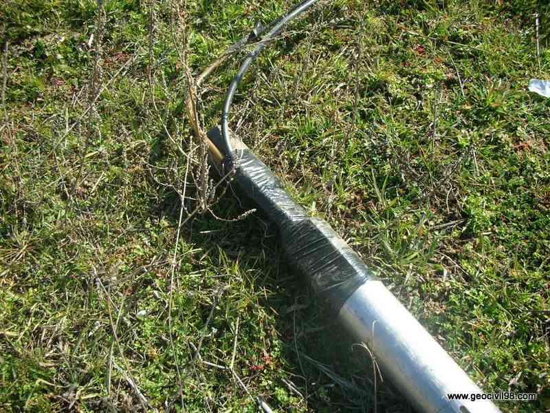 Cables protegidos en la conexión del presiómetro, geotecnia, estudios geotécnicos