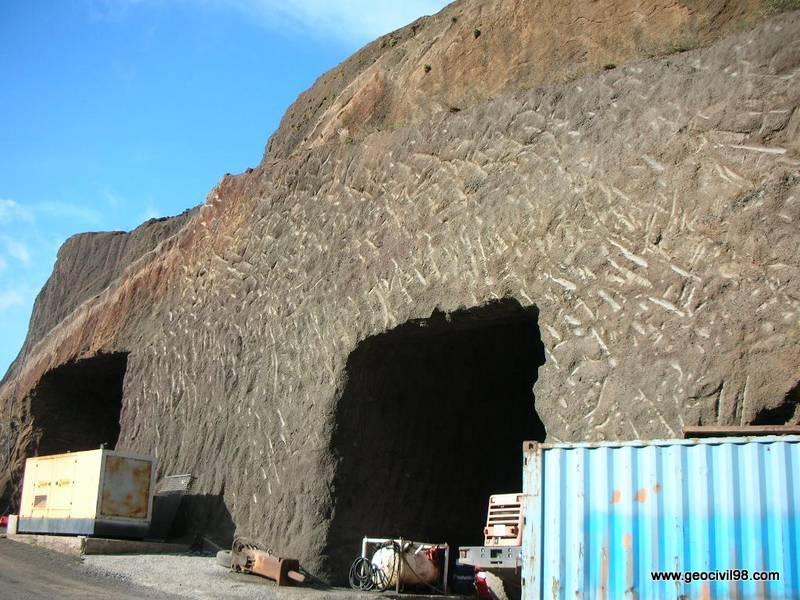 Excavaciones en piroclastos, La Palma, geología, geotecnia, estudios geotécnicos, departamento de geologíade Geocivil 98