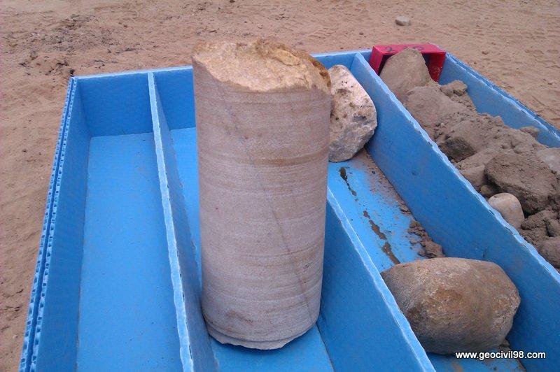 Bolo de cuarcita, aluvial del Nalón, testigo de sondeo