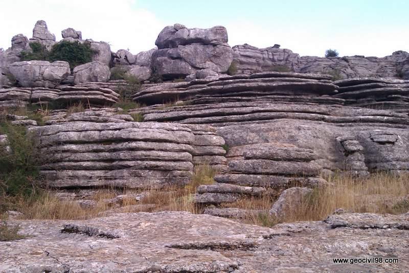 Calizas tableadas, Torcal de Antequera, departamento de geología de Geocivil 98