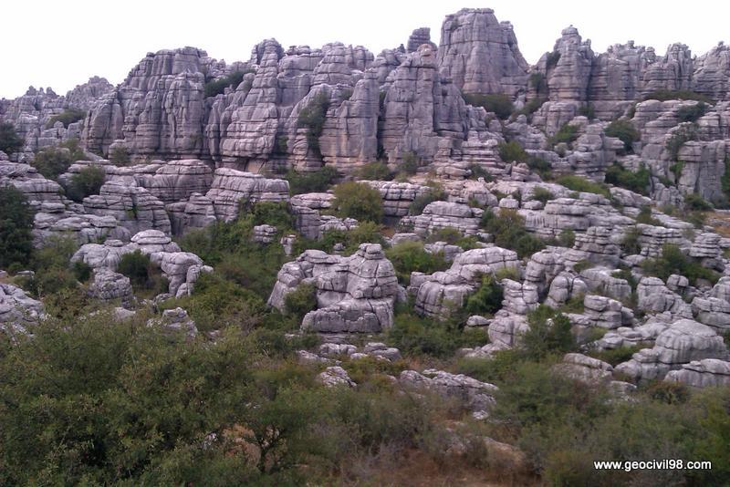 Vista típica 2, Torcal de Antequera, departamento de geología de Geocivil 98