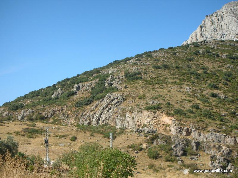 Pliegue en rodilla de la Boca del Asno, Torcal de Antequera, departamento de geología de Geocivil 98