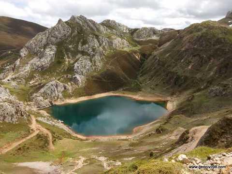 Geocivil 98 - Asistencia al Geolodía 17 - Estudios geológicos, geotécnicos y ambientales en Asturias